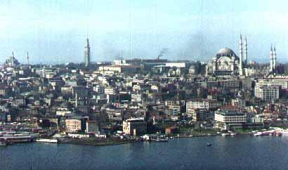 منظره استانبول كه ميان آسيا و اروپا واقع شده است