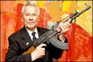 كالاشنيكوف با تفنگ معروفAK _47